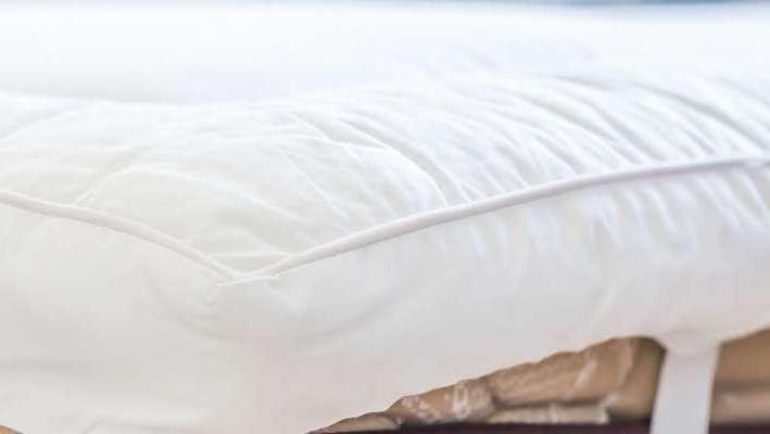 le surmatelas le petit indispensable. Black Bedroom Furniture Sets. Home Design Ideas